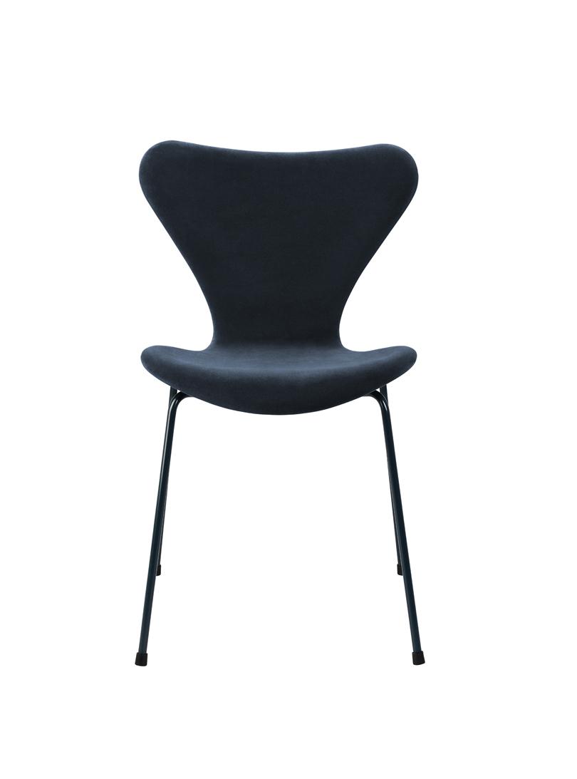 der serie 7 stuhl von lala berlin republic of fritz hansen the clique suite. Black Bedroom Furniture Sets. Home Design Ideas